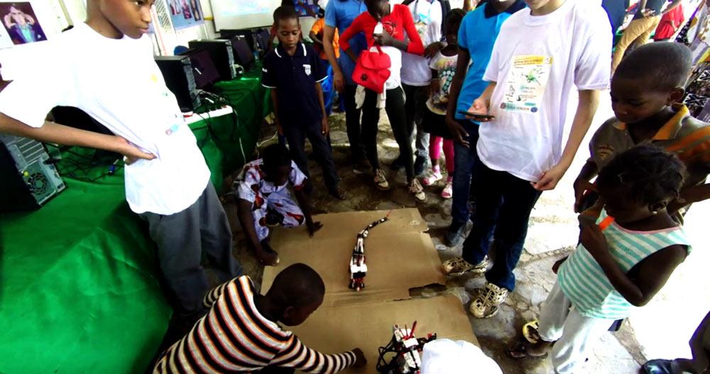 robot-boy-Mali_festival-des-sciences