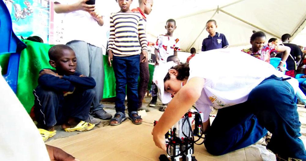 robot-boy-Mali_festival-des-sciences3
