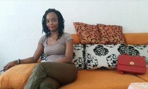 La blogueuse Edit Brou face aux internautes dans un twitchat