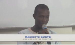 Maguette cissé en story telling devant des étudiants