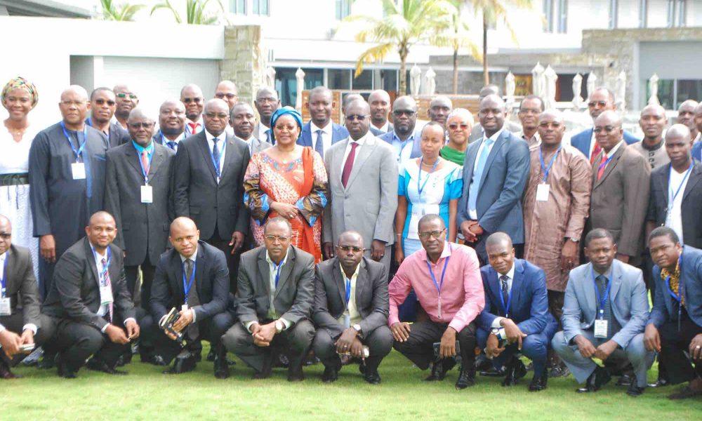 Photo de groupe de l'atelier d'évaluation de la mise en œuvre du Free Roaming en Afrique de l'Ouest