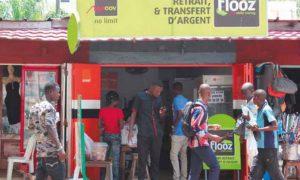 Après le lancement, en avril 2017, du MasterPass QR de la filiale locale d'Ecobank l'opérateur de télécommunications Moov Togo, la filiale de Maroc Telecom a annoncé le 27 octobre 2017 à Lomé le lancement de son nouveau service de monétique dénommé « NFC QR Code ». Il s'agit d'un service qui allie le QR Code de l'application Flooz pour assurer le «sans contact» via scan.