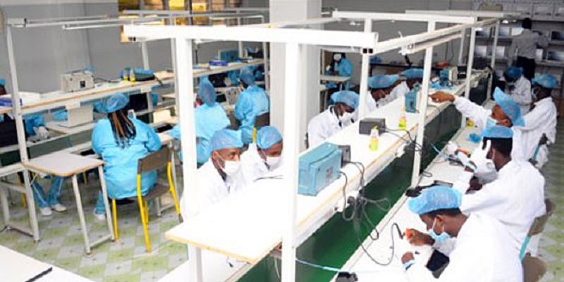 Le Sénégal se dote d'une usine d'assemblage d'ordinateurs, tablettes, smartphones…
