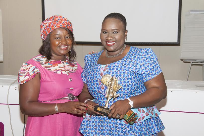Leadership au féminin : La blogueuse Moussoukoro Diop distinguée par l'association JEADER