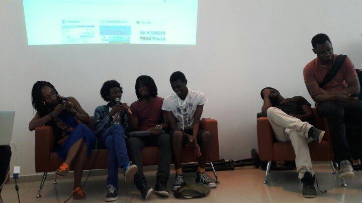 Youtueurs au Sénégal