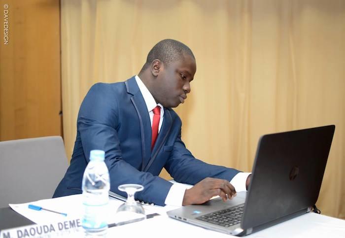 Un jeune financier sénégalais sort un ouvrage sur Facebook