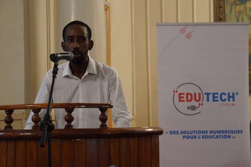 Enseigner le code et la citoyenneté numérique à l'école Mamadou DIALLO (Chargé de Mission Ville créative Ville de Dakar) #edutechforum