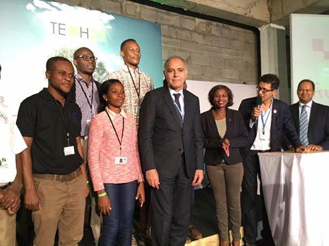 Le président de la COP 22 en compagnie des participants de la 1ere édition de la TECH 22