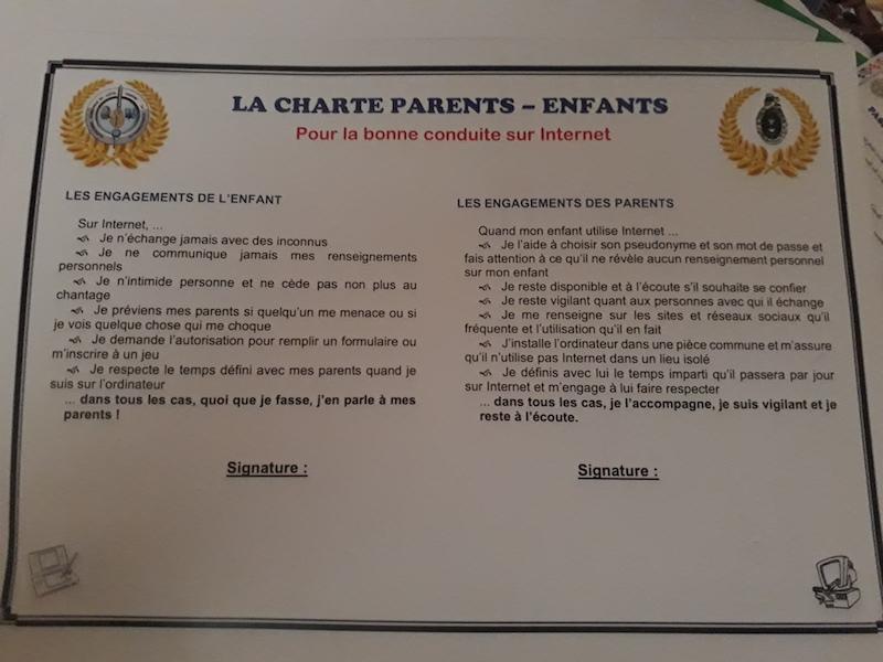 Un aperçu du Passeport Jeune pour internet avec les engagements de l'enfant er des parents