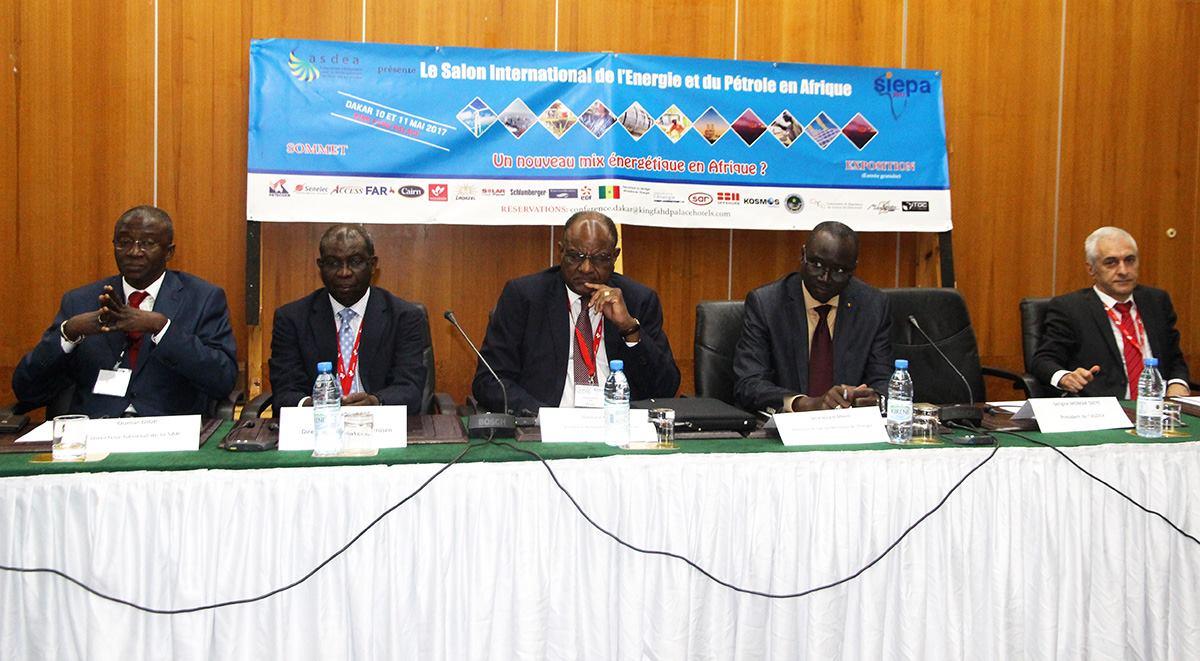 Salon international de l'Energie et du pétrole en Afrique: le mix énergétique au coeur des discussions