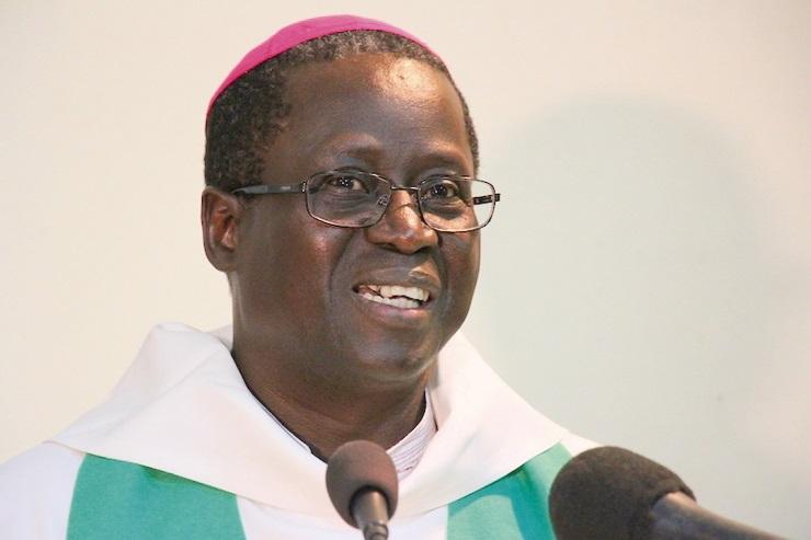 Utilisation des réseaux sociaux, l'archevêque de Dakar appelle à la prudence face aux pièges