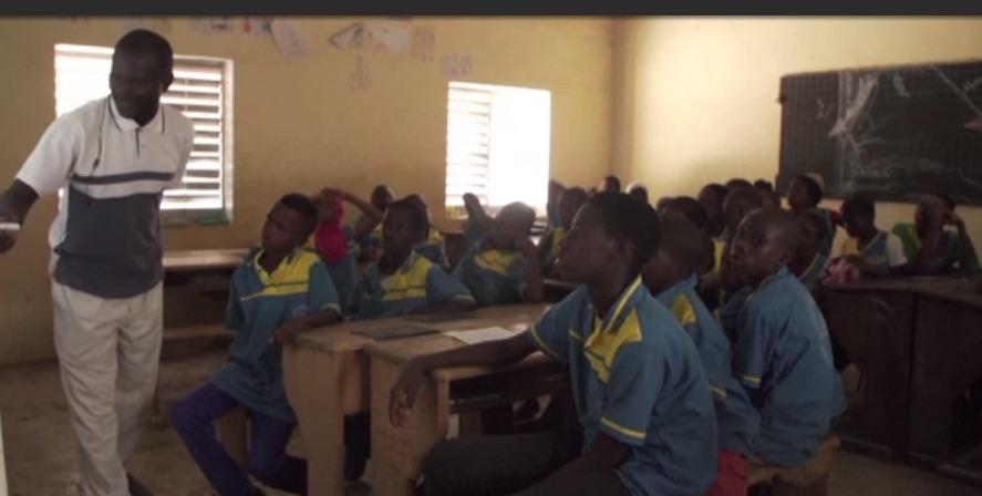 (VIDEO) Un kit numérique offre un apprentissage intelligent à énergie solaire dans les écoles
