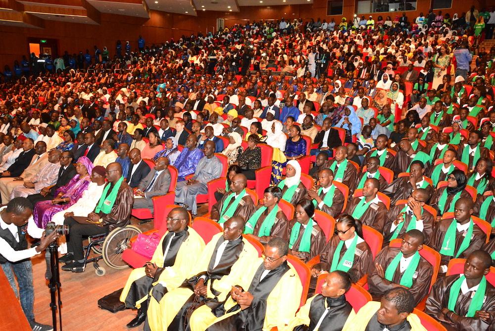 L'UVS a célébré les 465 diplômés de sa première promotion