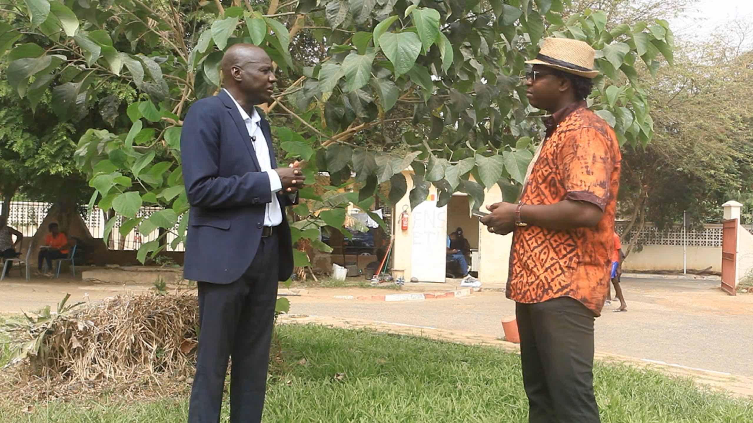 Tournage de l'émission HITECH221 avec comme invité le professeur Ibrahima Niang Directeur de l'informatique de l'UCAD