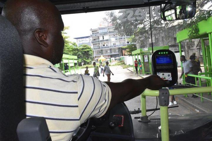 Cote d'ivoire : Un nouveau système de cartes à puce et de billetterie pour faciliter le transport