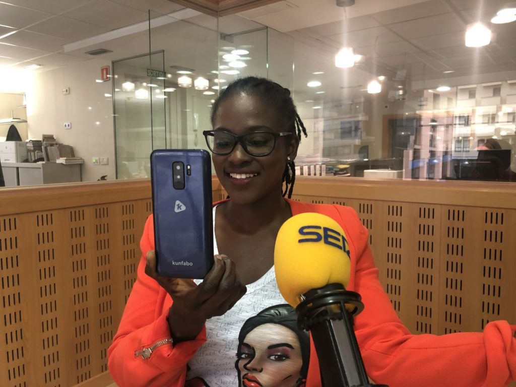 Innovation : une guinéenne conçoit un smartphone made in Africa