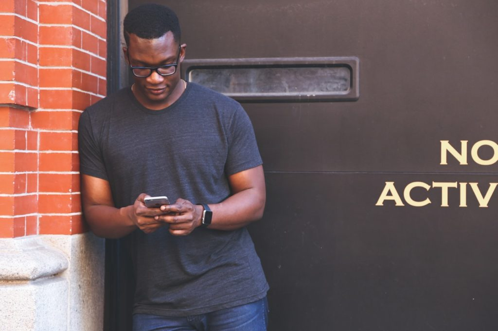 La GSMA lance la campagne « We Care »  pour lutter contre le vol des téléphones portables