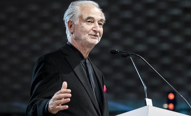 """Jacques Attali: """"Les réseaux sociaux peuvent détruire l'humanité"""""""