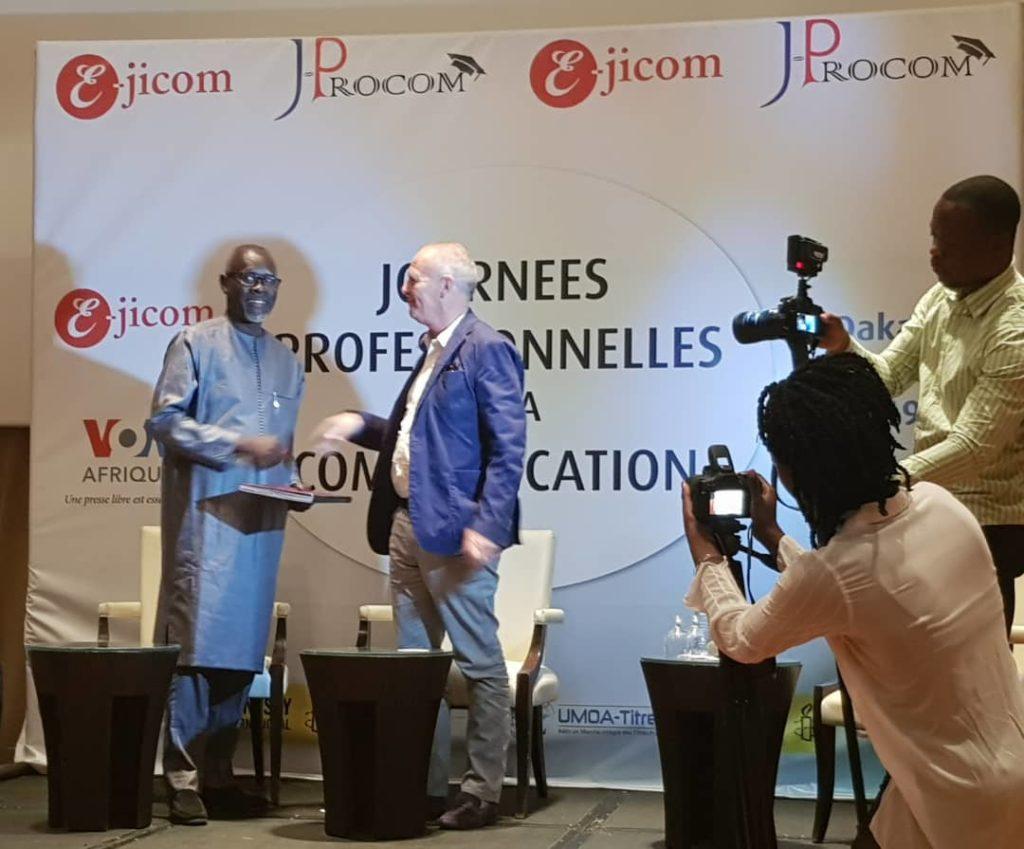 Co-diplomation et échanges d'étudiants : E-jicom Dakar et ESJ Paris signent un accord