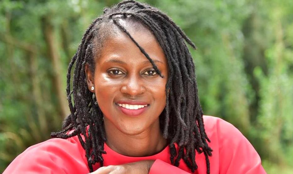 """A la découverte de """"Kunfabo"""", smartphone conçu par la Guinéenne Fadima Diawara"""