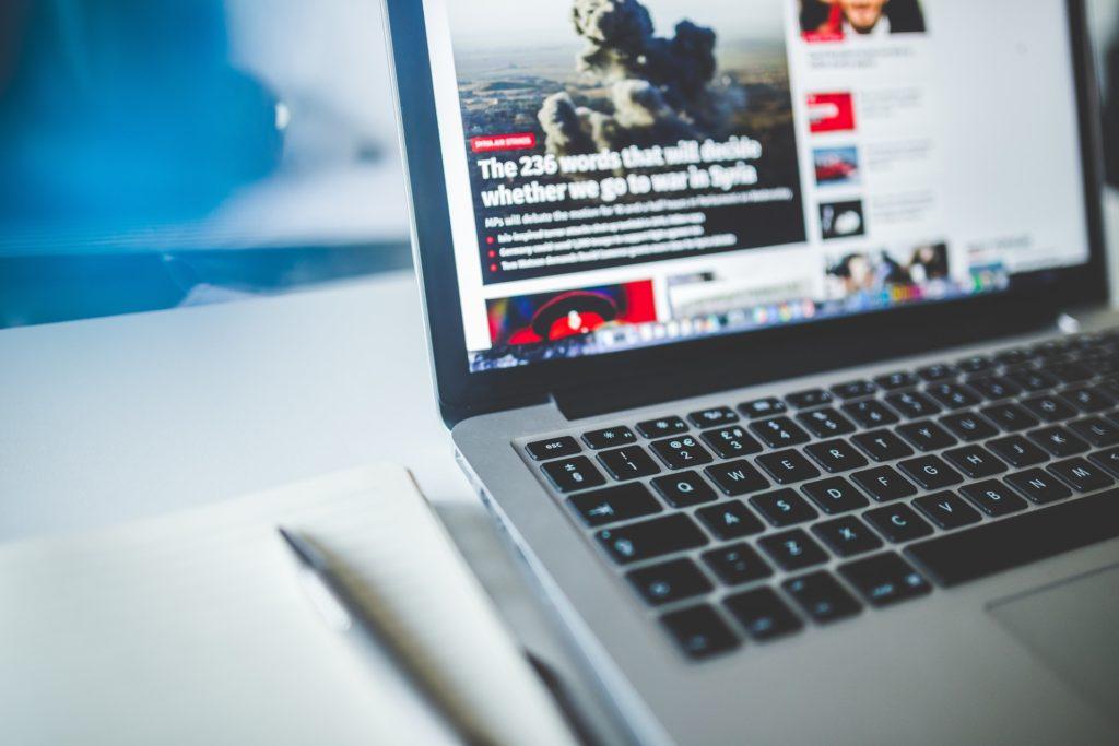 Communiqués, contributions…comment les agences arnaquent les plateformes web
