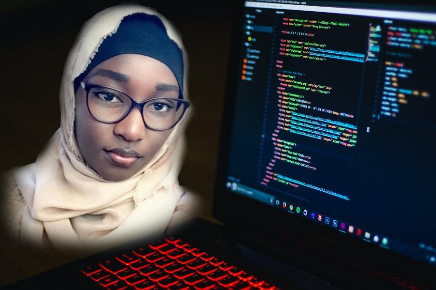 Awa Ly, une étudiante de l'Esp lauréate d'un concours international sur la programmation en ligne