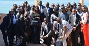 Photo de groupe organisation des professionnels des TIC ( OPTIC) et Réseau des journalistes spécialisés en TIC ( REJOTIC)