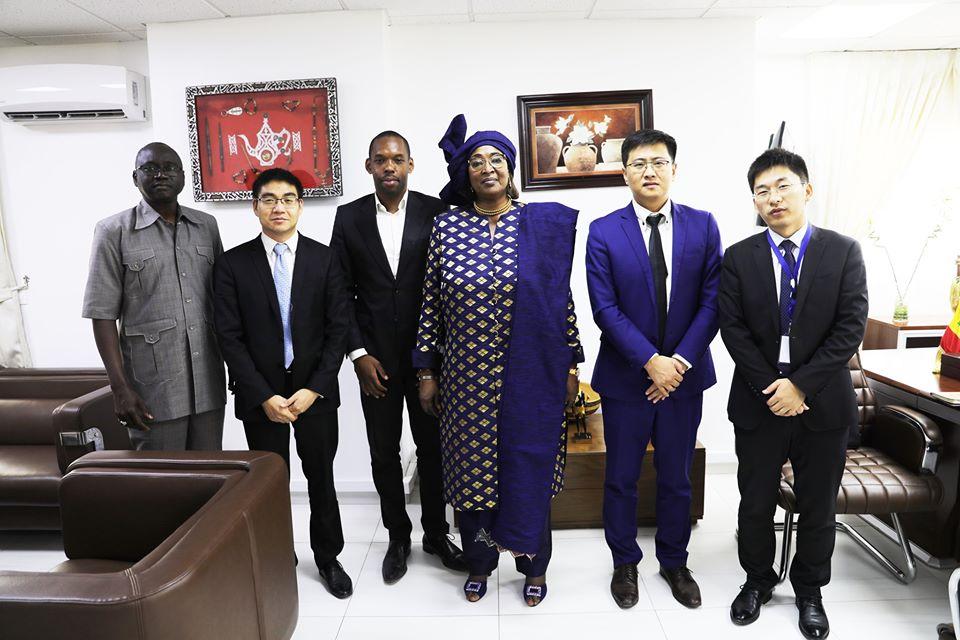 Sénégal : Huawei œuvre aux côtés du peuple sénégalais en cette période de Covid 19 ( Ministre des Télécoms )