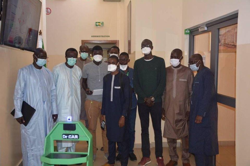 ESP Dakar:  Des étudiants créent un robot pour livrer des médicaments et de l'alimentation