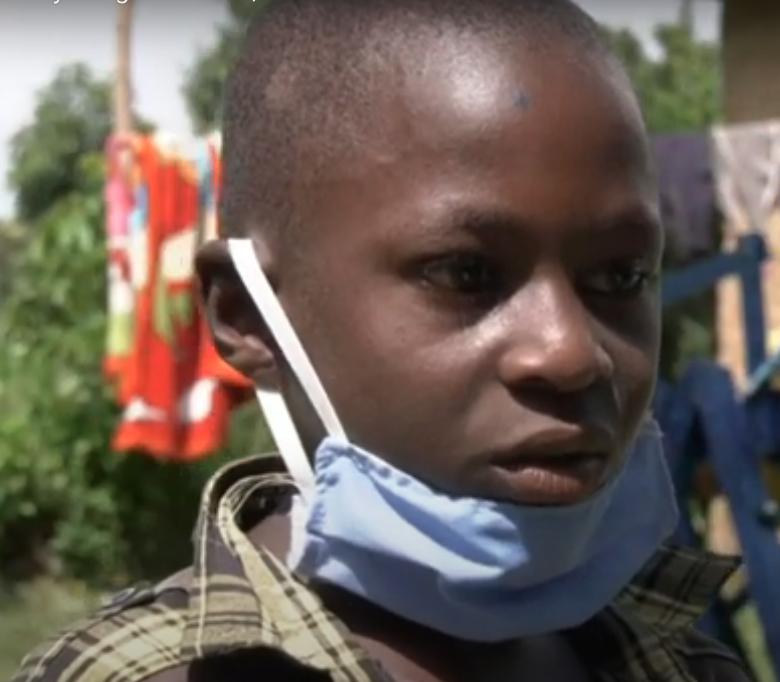 Covid 19 au Kenyan: Un jeune de 9 ans crée une machine pour se laver les mains