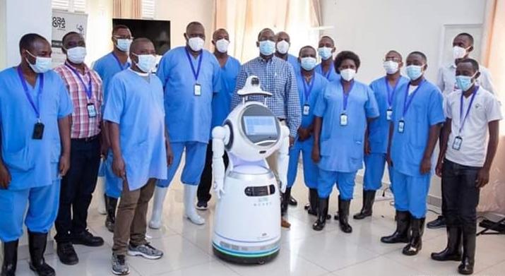 ROBOT AU RWANDA DANS LA LUTTE CONTRE LA COVID