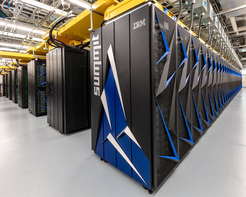 Recherche: Un superordinateur accélère l'élaboration de traitements pour la covid-19