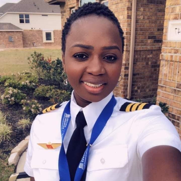 Khady Djibril Ndiaye, pilote de ligne: «J'ai piloté un avion avant de conduire une voiture»