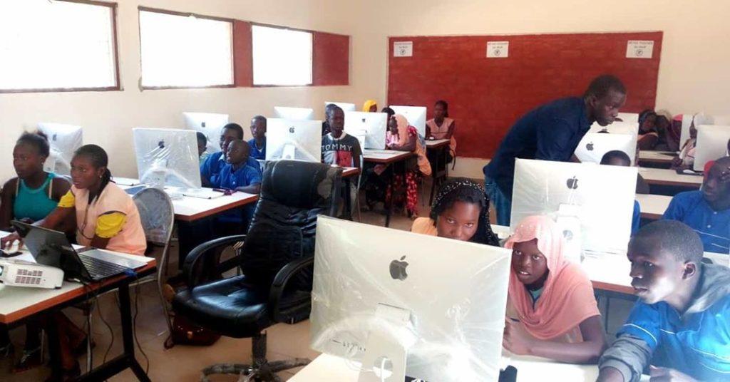 Lambaye Learning Center recrute un Responsable Informatique