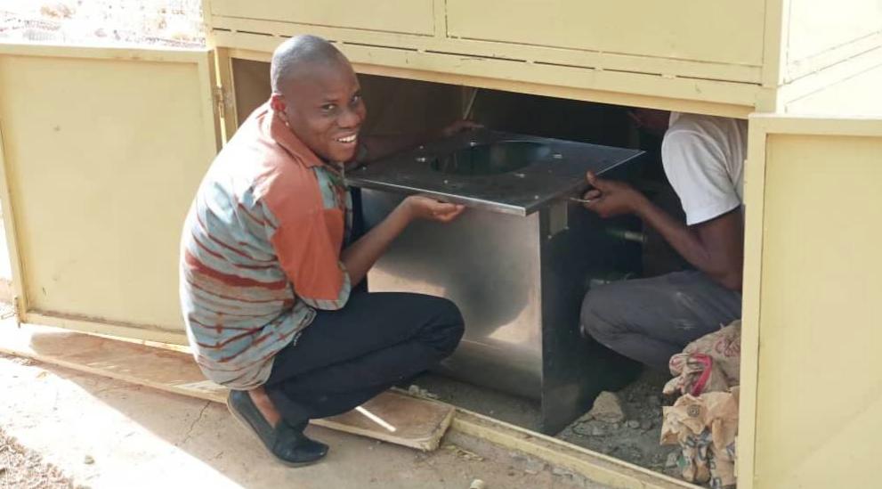 BURKINA: Seyram Sossou crée Compotoilet, un ouvrage d'assainissement autonome