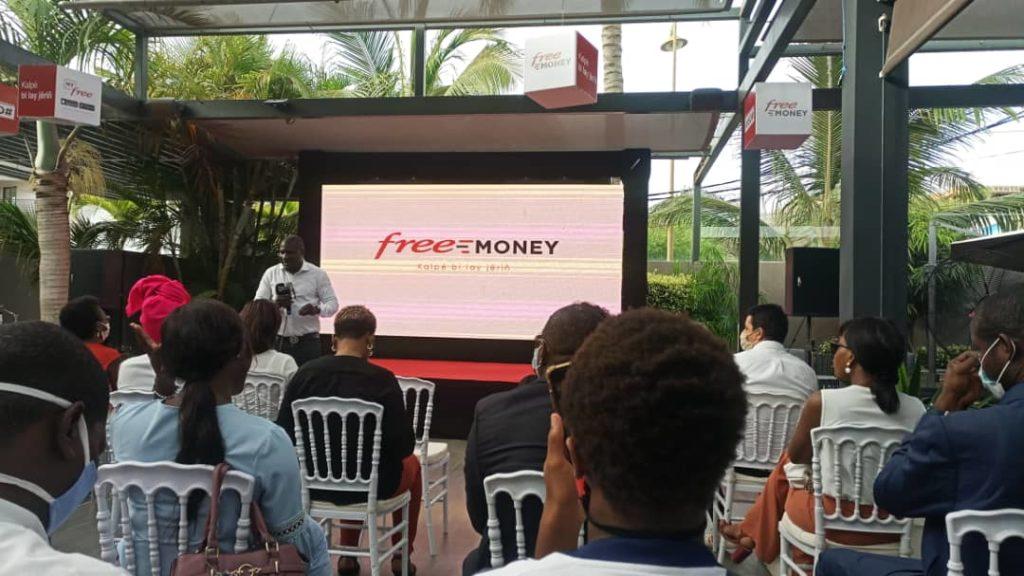 Dépôt et retrait d'argent  :  Free offre la gratuité à ses clients avec Free Money