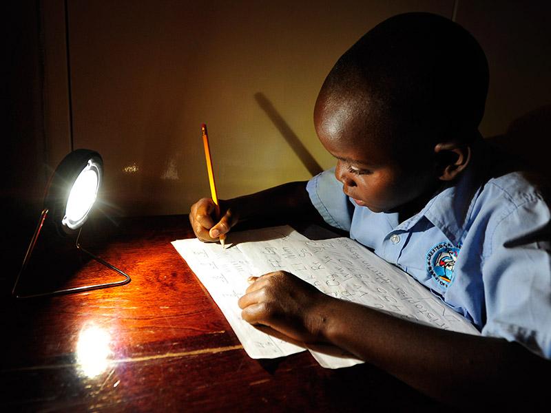 Afrique: M-KOPA connecte plus de 750 000 maisons sans électricité