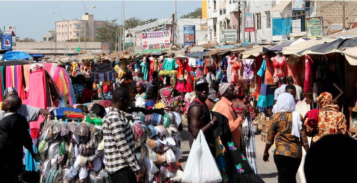 Économie informelle : Macky Sall exige de bâtir, en urgence, des stratégies innovantes