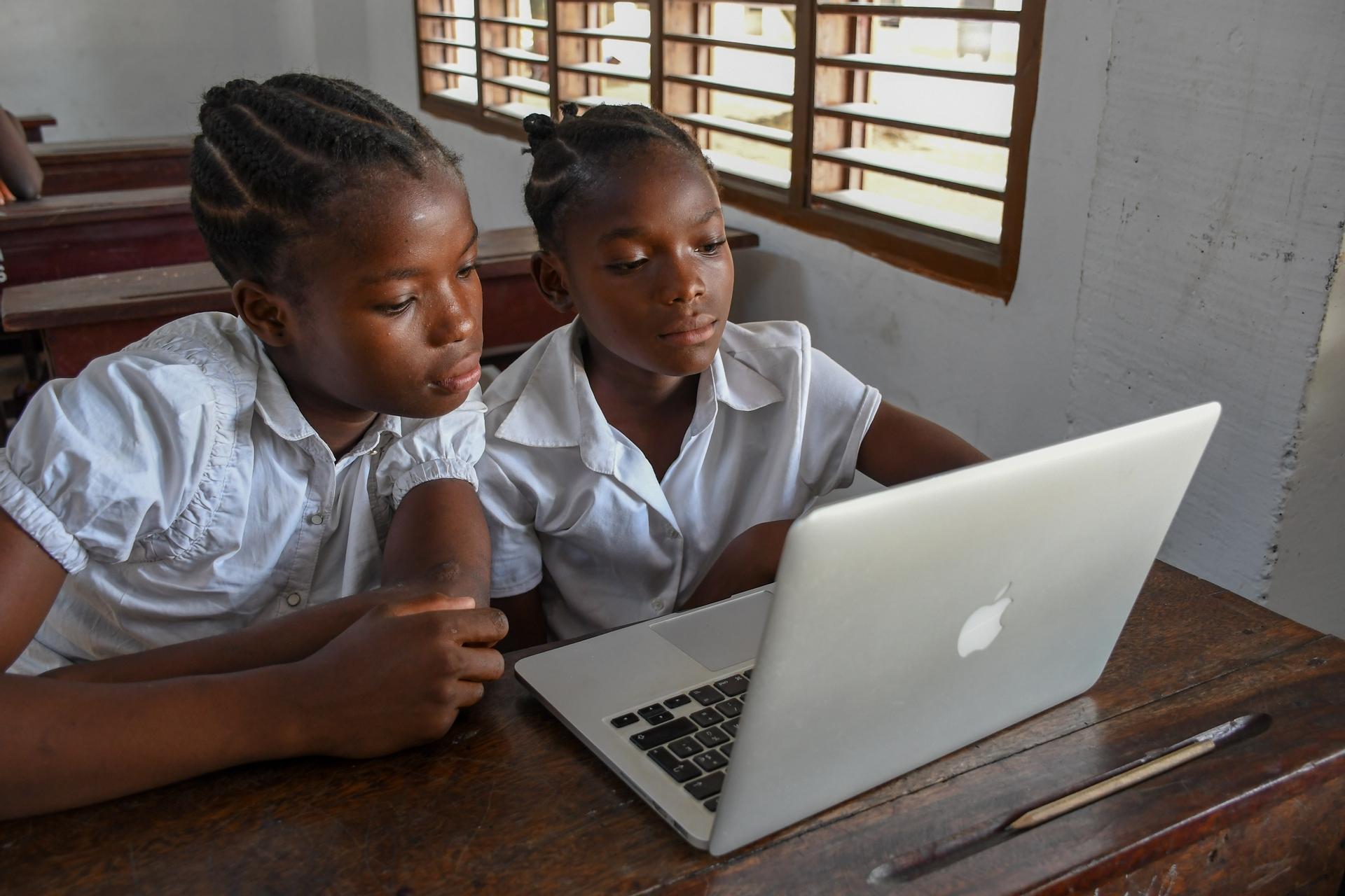 Macky Sall demande l'orientation de 30% des élèves dans les métiers du numérique