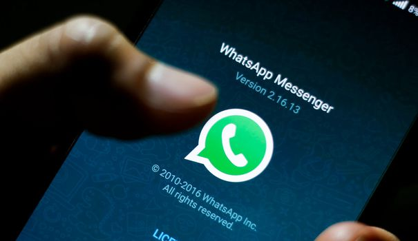 It will soon be possible to make purchases online through messaging WhatsApp.  It is in any case the ambition of Facebook which owns the application,
