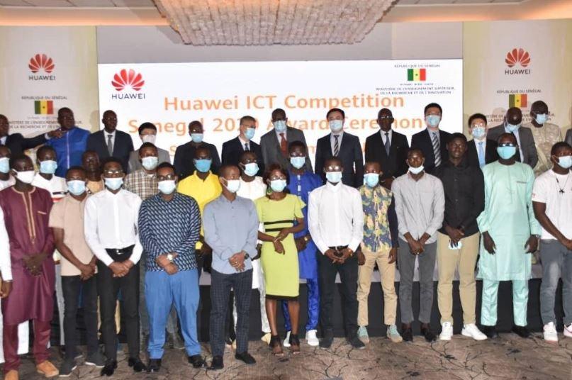 Coopération : HUAWEI amorce le défi de l'employabilité numérique