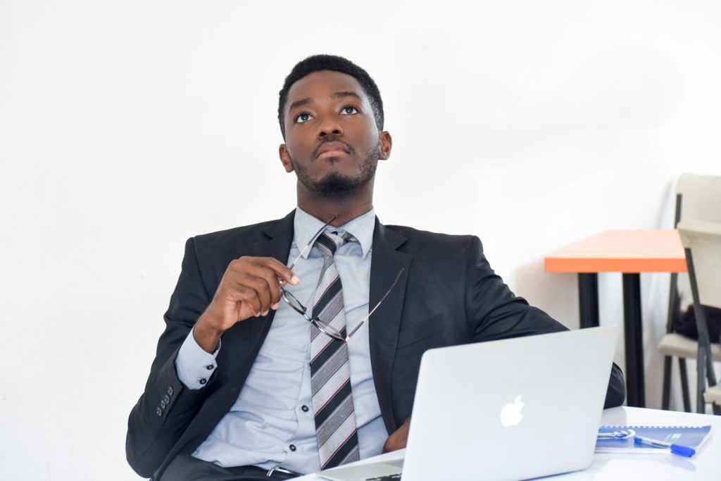 La ruée vers l'entrepreneuriat défie tant bien que mal un sous-emploi endémique…