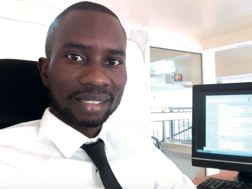 Comment les banques sont-elles impliquées dans l'émission du Mobile Money au Sénégal ?
