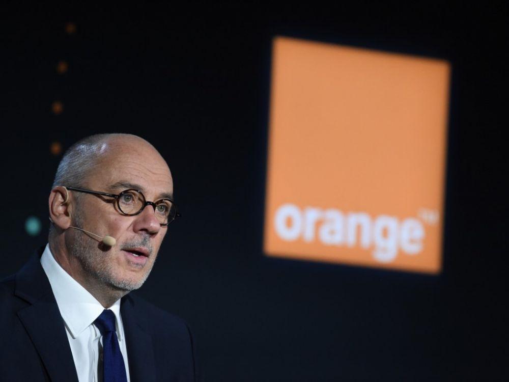 Stéphane Richard: «Orange va faire un don de 10.000 cartes SIM aux étudiants…»