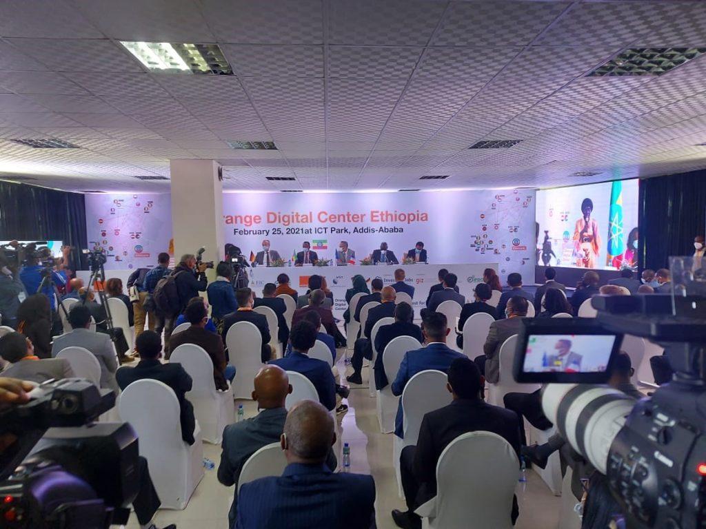 Inauguration d'un Orange Digital Center en Éthiopie pour la formation des jeunes au numérique