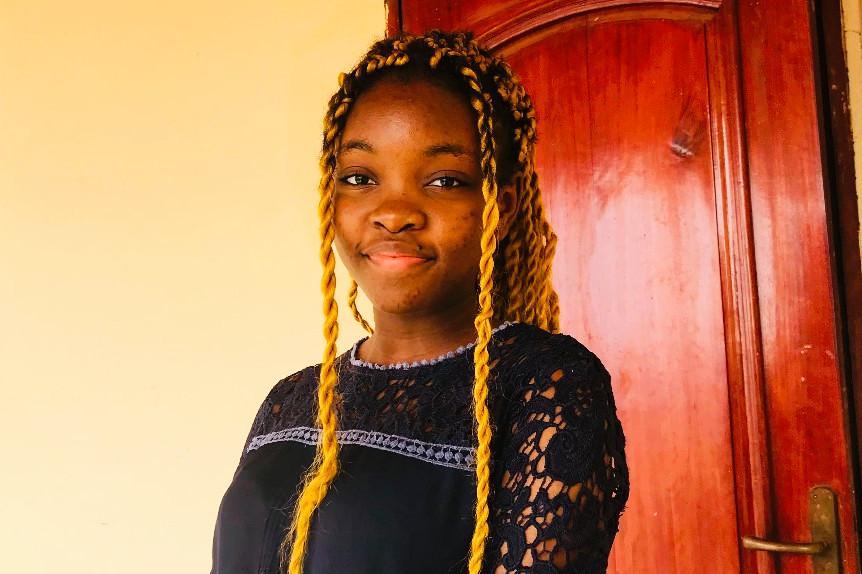 A 18 ans, Xaviera Nguefo Kowo conçoit un robot capable de recycler les ordures