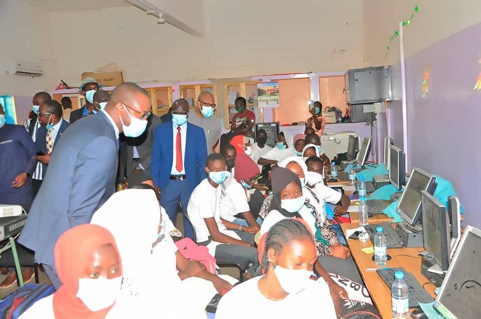 Protection des enfants en ligne : le ministère des télécoms se positionne en bouclier