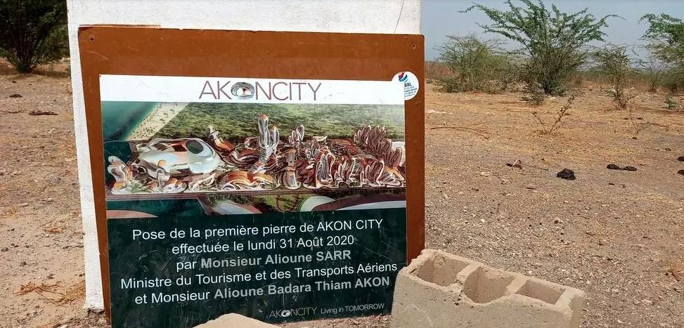 Le chantier de la ville futuriste Akon City est au point mort