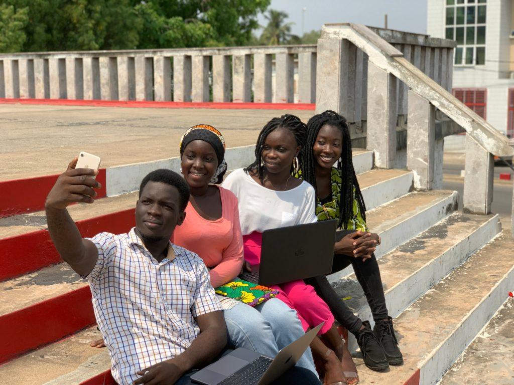 Les Sénégalais favorables à une réglementation des réseaux sociaux