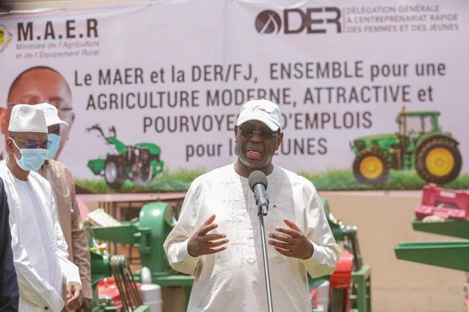 Emplois  des jeunes : Macky Sall exige le déploiement rapide du programme  «XËYU NDAW ÑI»